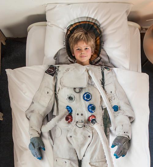 astronautbedsheets02