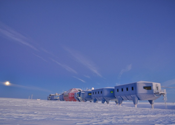 dezeen_Worlds-first-mobile-research-facility-opens-in-Antarctica_ss_5