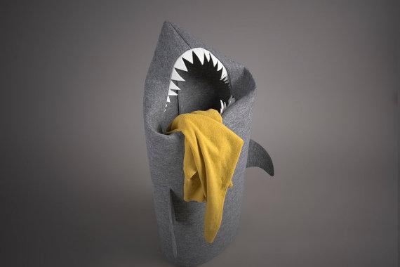 sharklaundry01